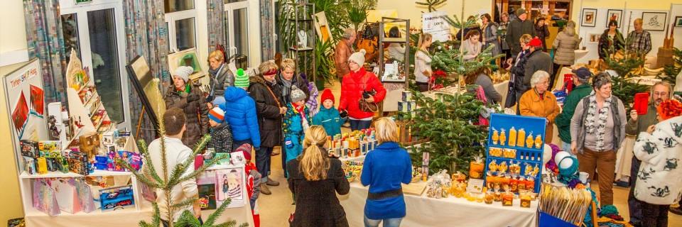 Neumarkter Adventzeit  Punschdorf, Perchtenlauf,...